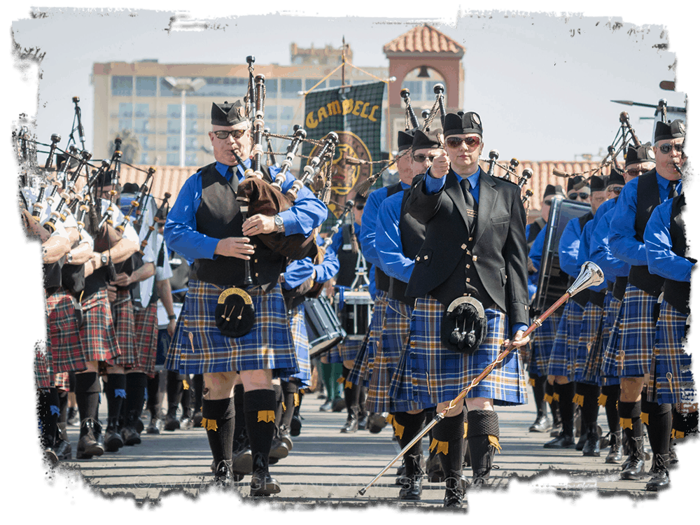 photo of a Scottish pipe band marching